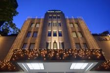 山の上ホテルイルミネーション「丘の上の光の洋館」